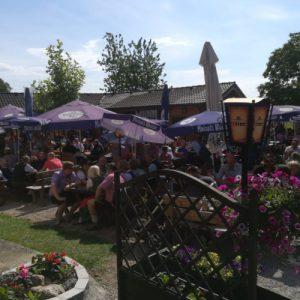 Gastgarten im Sommer