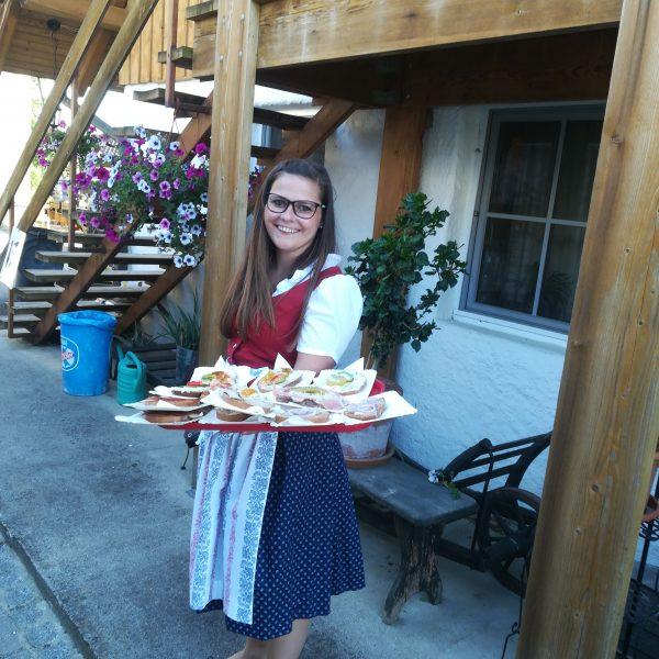 Serviert werden leckere Brote